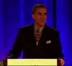 dr_horowitz_at_podium